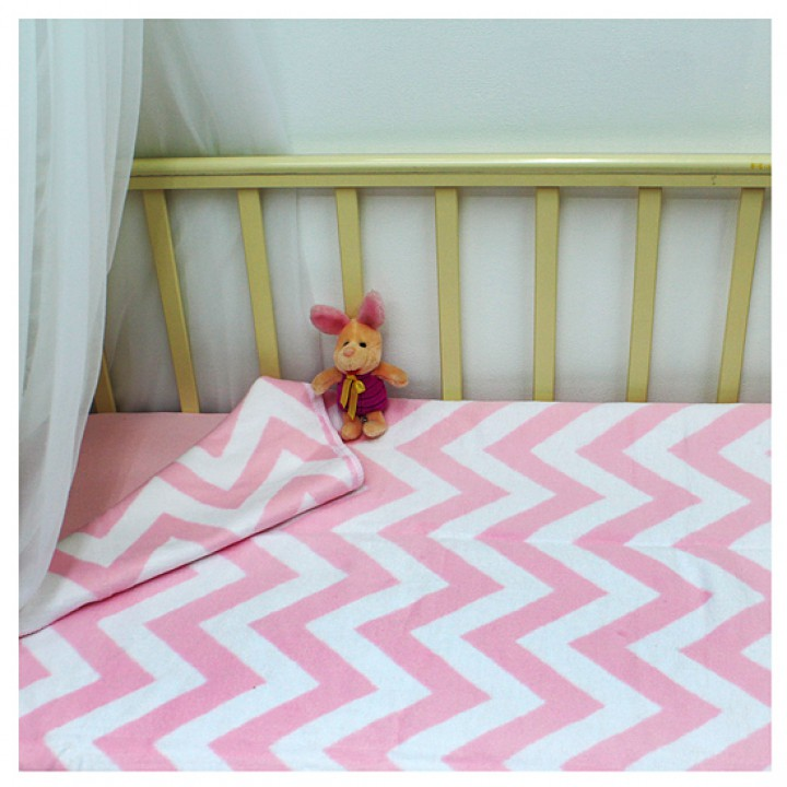 Байковое одеяло детское премиум 118х100 Зигзаги фламинго