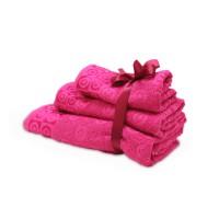 Набор махровых полотенец малинового цвета