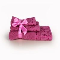Набор махровых полотенец брусничного цвета